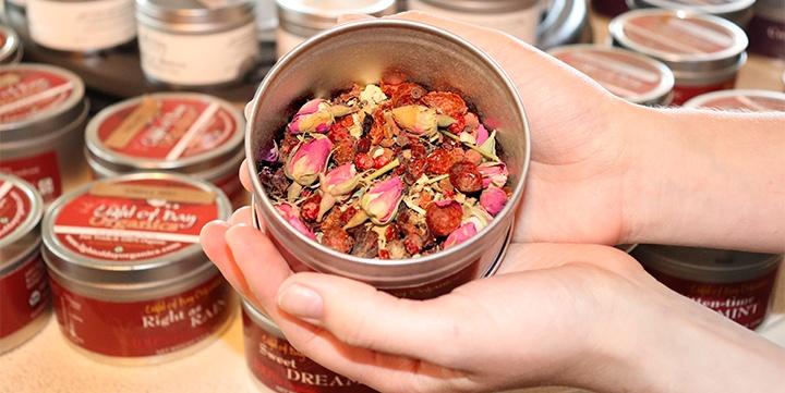 tea blend in hand