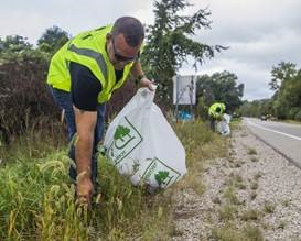 Adopt A Highway Trash Pickup Volunteers